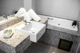 Banheiro revestido de Granito