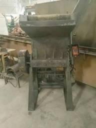 Moinho triturador de plástico Rone 450 x 600 mm