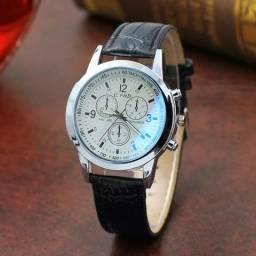 b7033a75601 Relógio masculino Quartza