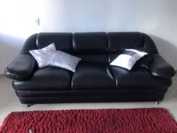 Sofá de couro preto em perfeito estado