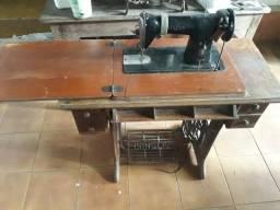 Máquina de costura antiga Singer - Relíquia