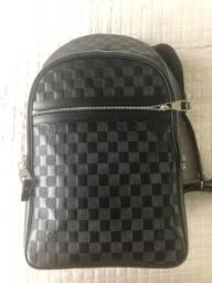 Mochila Louis Vuitton em couro - original
