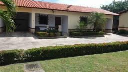 Alugo casa em condomínio fechado no Eusébio!
