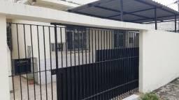 Aluguel Apto 2 Quartos em Olaria com vaga na garagem (Isento de Condomínio, IPTU e Seguro)