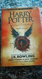 Livro Harry Potter e a Criança amaldiçoada
