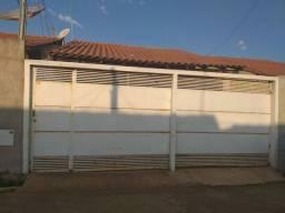 Vendo Casa de 03 Quartos