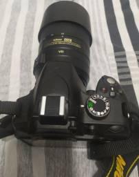 Vendo  câmera Nikon D 3200