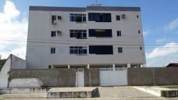 Apartamento em Mandacaru, 03 quartos sendo 02 suítes.
