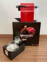 Cafeteira Nespresso ( Seminova com nota fiscal )