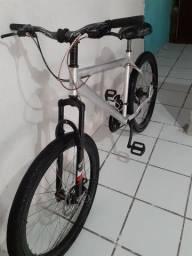 Bike de alumínio Leia o anúncio !!