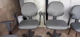 Cadeiras de escritório usadas