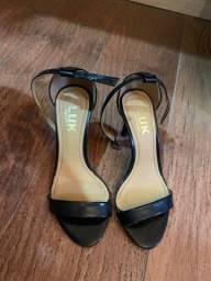 Sandália de salto tamanho 36