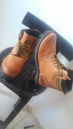 BOTA CATERPILLER 80$