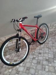 Vendo bike aro 29 freios hidráulico