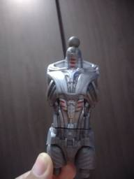 Título do anúncio: Marvel legends build a figure Ultron