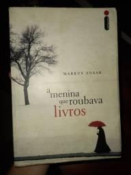 """Livro """"A menina que roubava livros"""""""