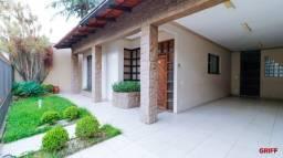 Magnífica casa mobiliada com 05 Dormitórios em Balneário Camboriú!