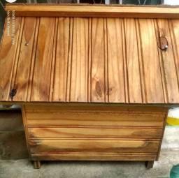 Vendo casa de madeira pra cachorro de porte pequeno