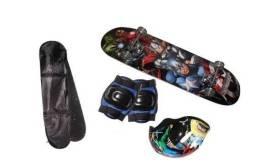 Skate Infantil mascolino com Kit Proteção e Capacete novo 0km lacrado