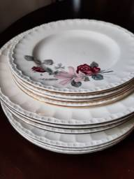Antigo Aparelho de jantar de Porcelana 1940