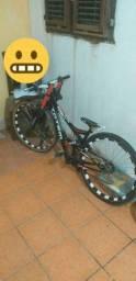 Vendo ou troco bike rebaixada em aro 29 ou bike de grau