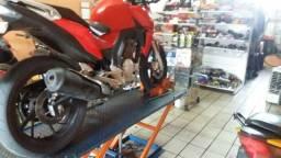 Oficina de moto bem montada