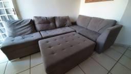 Sofá De 5 Lugares Com Puf e Almofadas