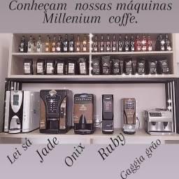 Máquinas de cafés Expresso  e cappuccino.