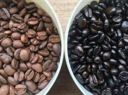CAFÉ ARTESANAL em grãos torrado e torrado e moído