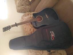 Violão Tagima Dallas com capa de violão