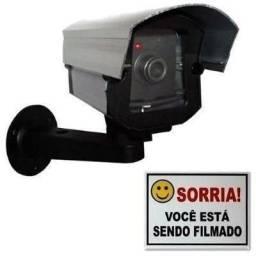 Câmera falsa de segurança com luz de led e placa de alerta sorria promoção