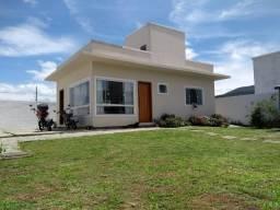 Ótima casa com amplo terreno escriturado