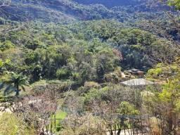 Terreno com linda vista - apenas 185 mil - 1.740 m2 - Condominio Fechado
