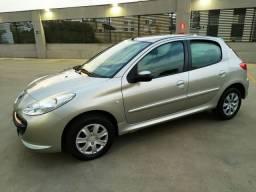 Peugeot 207 1.4 XR 4 portas 2011/2011 completo