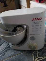 Batedeira planetária Arno semi nova perfeita 200