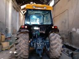 Trator Valtra 4x4