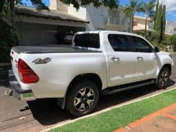 Toyota Hilux Srx Completa!!!Quero sessenta mil e assumir restante.