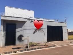 Excelente casa com 3 dormitórios à venda, 145m² por R$ 590.000 - Laranjeiras - Uberlândia/