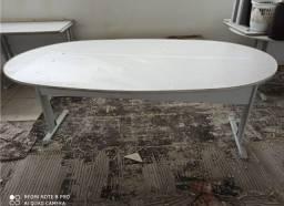 Mesa oval para escritório