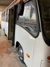 Micro ônibus a venda com elevador