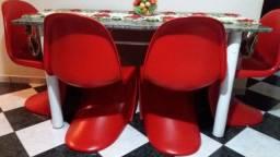 Mesa mármore com quatro cadeiras