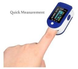 Oximetro digital saturacao e batimento cardico lacrado aceito troca note