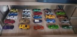 Carros hotwheels vários modelos