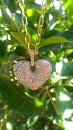 Colar Pingente Coração Cravejado em Zirconias Folheado a Ouro 18K Semijoia