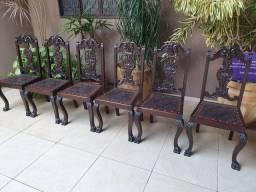 Conjunto mesa jacarandá cadeiras pata de leão