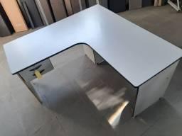 Mesa em L interiço