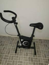 Bicicleta ergométrica para exercícios