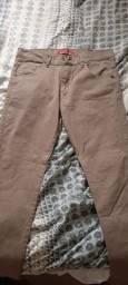 Calça hollister original vindo com etiqueta de nova , tamanho 42