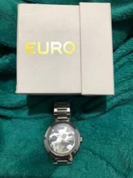 Relógio EURO camuflado