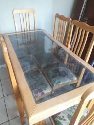 Mesa de Vidro e Cadeiras
